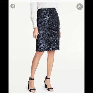 Ann Taylor sequin pencil skirt navy size 00 NWT